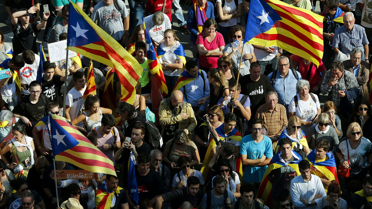 Resolution Declares Catalonia Independent State