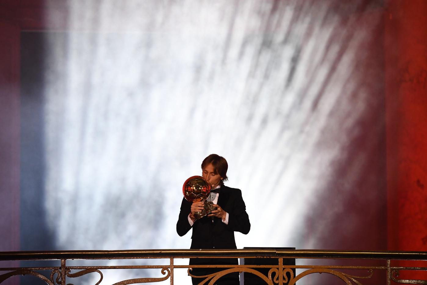 Luka Modric lifts 2018 Ballon d'Or against Messi or Ronaldo
