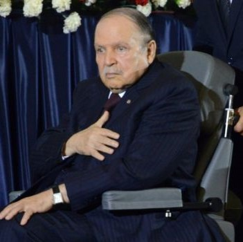 Ailing Algerian President Bouteflika bows to pressure, reigns