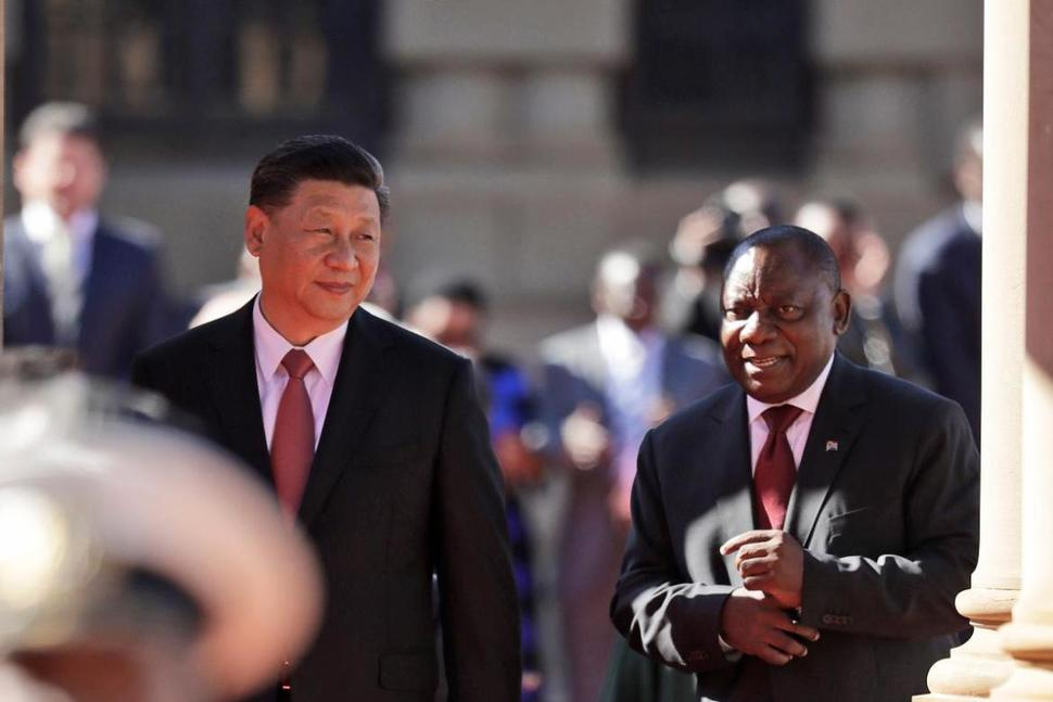 China's president gets first foreign honorary doctorate from South African varsity