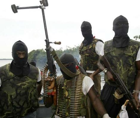 Militants kill police kidnap Shell workers in Nigeria's Delta region