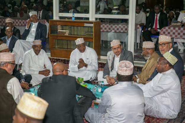 Kenyatta prays in Mosque, urges Muslims to help fight extremism