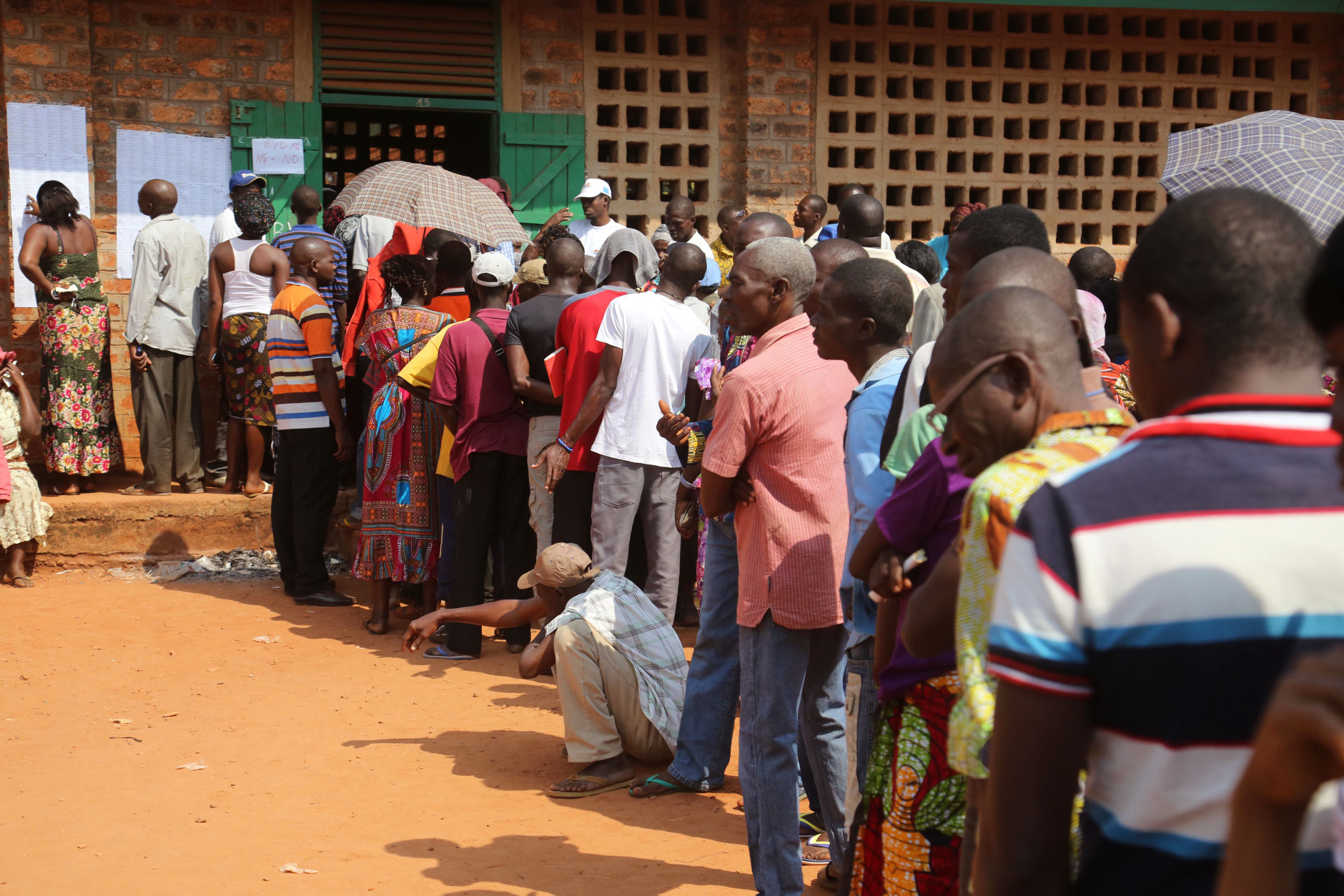 Africans Vote on Sunday: Elections underway in Niger, CAR