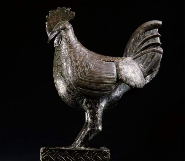 Cambridge to return to Nigeria, bronze cockerel looted 124 years ago